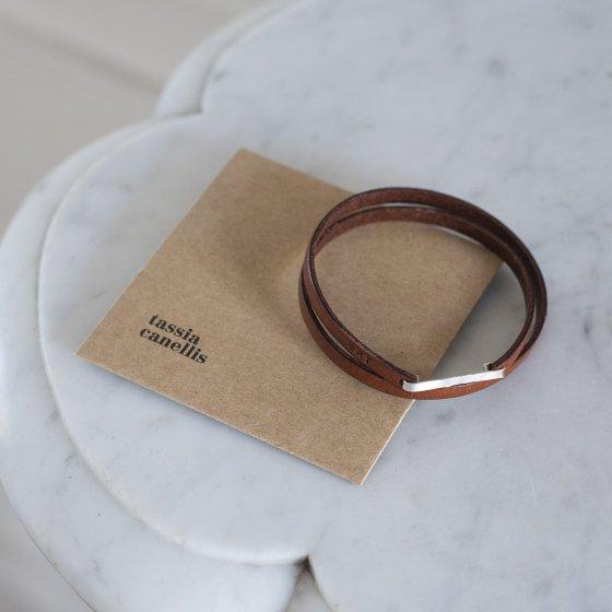 Bracelet fin, cuir et argent massif