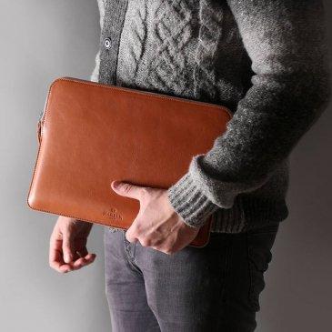Pochette d'ordinateur en cuir